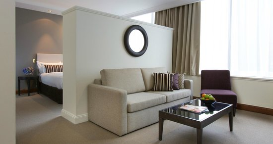 Rydges Melbourne Hotel: Queen Suite
