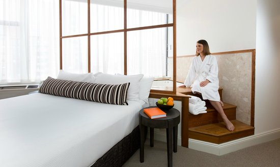 Rydges Melbourne Hotel: Premier Spa Suite