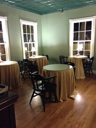Agustin Inn: breakfast dining area