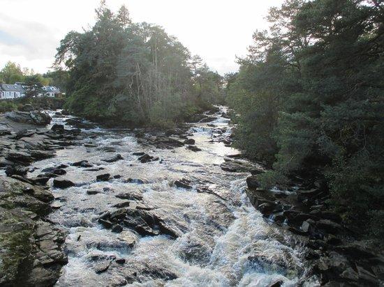 Bridge Of Lochay Hotel: Nearby Falls of Dochart