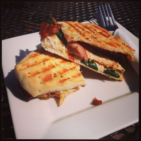 Neilly's Cafe: Egg and Bacon focaccia.