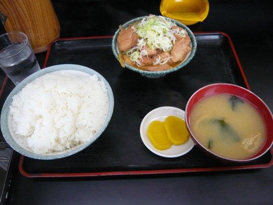 Motsunikomitaro: もつ煮定食