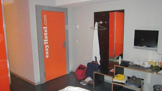 easyHotel Zurich : Quarto