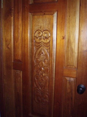 Hotel Buena Vista: Lovely carved doors throughout