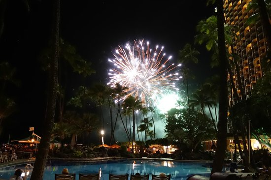 Hilton Hawaiian Village Waikiki Beach Resort: プールからの花火