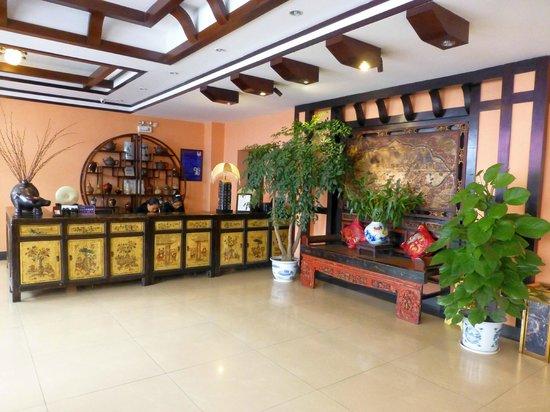 Magnolia Hotel: Resgistration area