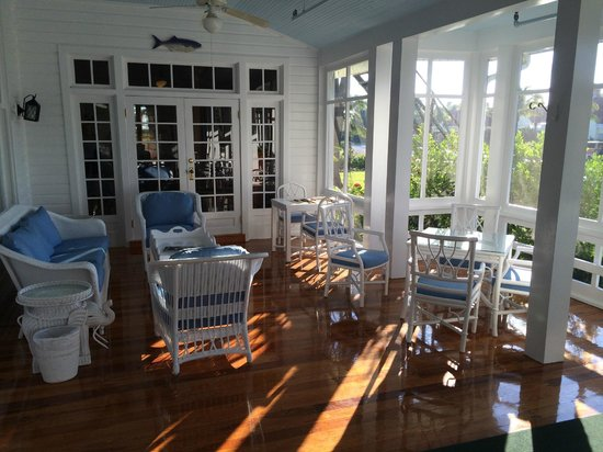 Gasparilla Inn & Club: Beautiful porches abound