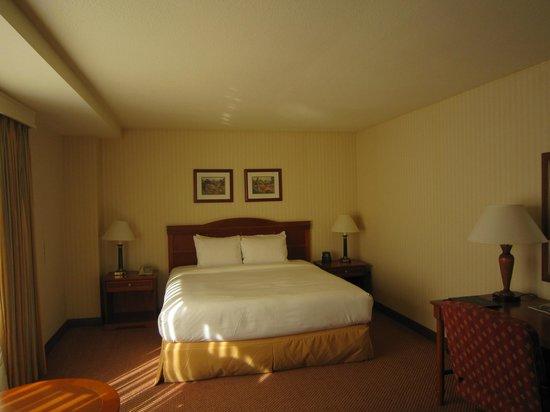 Hilton Portland & Executive Tower: Comfy Bed