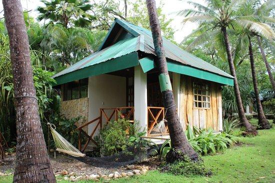 Hotel Tropico Latino: Beachfront Bungalow