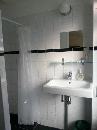 Boogaard's Bed and Breakfast: Large bathroom