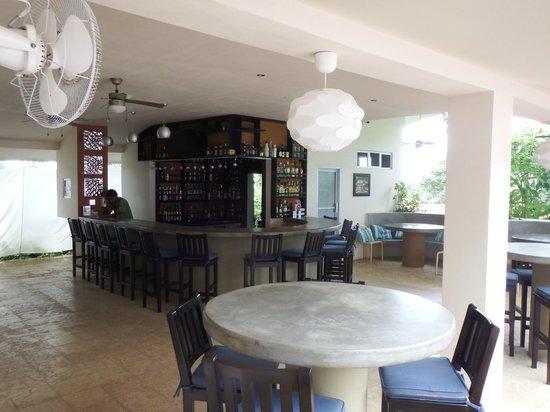 Hotel Laguna Mar: Dinning and bar area