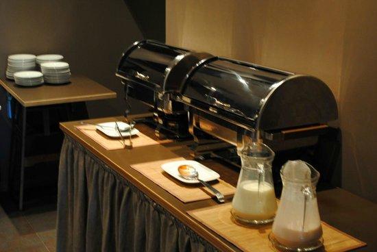 Primo Hotel: Breakfast