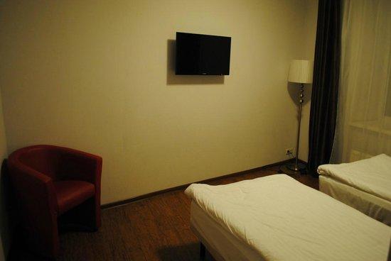 Primo Hotel: Room