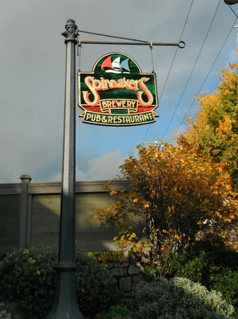 Spinnakers Brewpub and Guesthouses: Signage