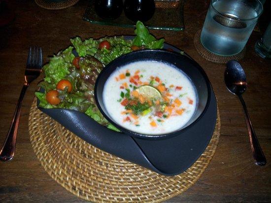 Sarinbuana Eco Lodge Restaurant : Raw young coconut soup
