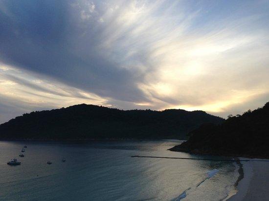 The Taaras Beach & Spa Resort : Sunrise