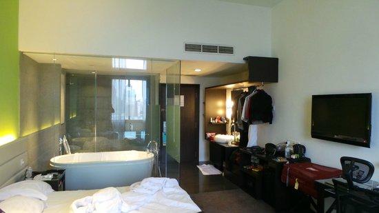 Furama RiverFront: Executive Suite entrance