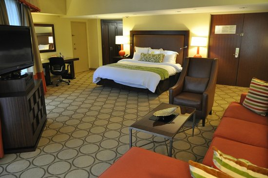 Atlanta Evergreen Marriott Conference Resort: This was our room
