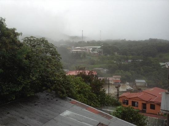 Cabinas Nuestra Kasa: A misty view