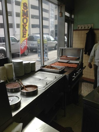 Lafayette Coney Island: hot dog grill