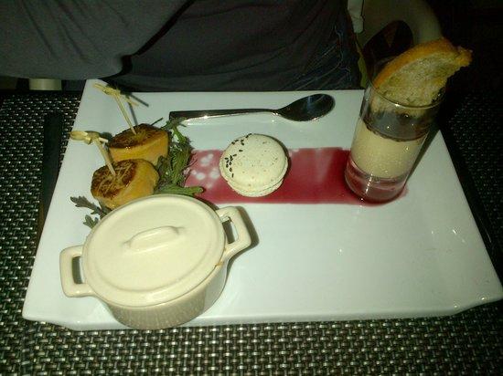 Restaurant L2 : Entrée foi gras et macaron