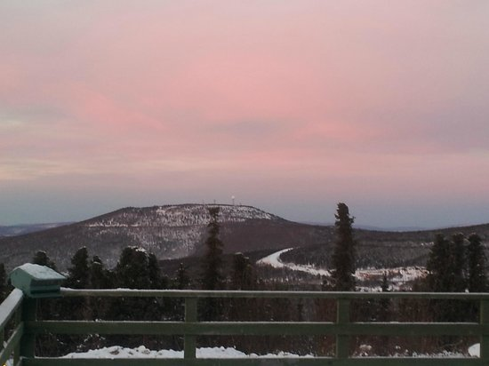 Mount Aurora Lodge : Morning from the deck