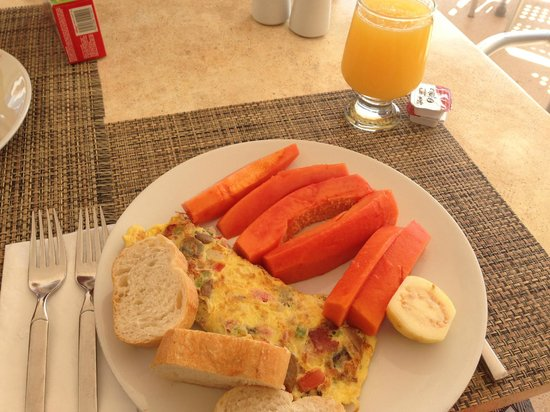 Omni Cancun Resort & Villas : excellent breakfast buffet