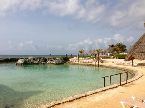 Heaven en Hard Rock Hotel Riviera Maya: Beach view from the buffet