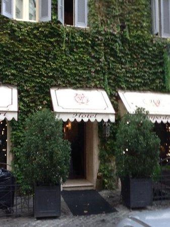 Boutique Hotel Campo de Fiori: Gorgeous Entrance