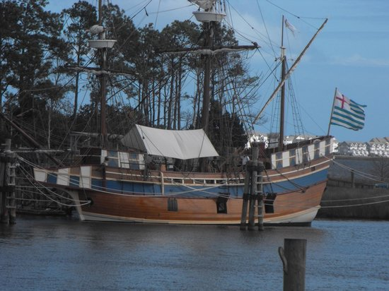 The Lost Colony: The colonists boat