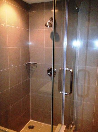President Park: douche eau bien chaude à tous moments