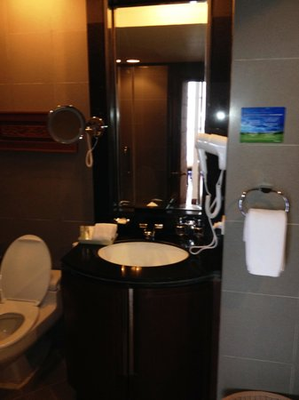 President Park Bangkok: salle de bain complète
