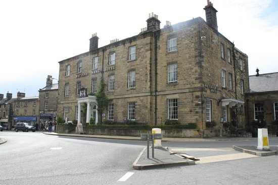 Rutland Arms Hotel Bakewell: View of the Rutland from the street