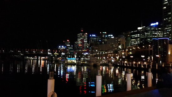 Novotel Sydney Darling Square (formerly Novotel Sydney Rockford Darling Harbour): View from Darling Harbour (5 min from hotel)