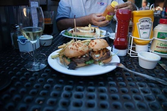 Third Street Aleworks: Chicken Bacon Sliders