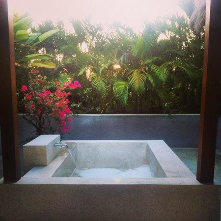 Nyaman Villas : The Bath