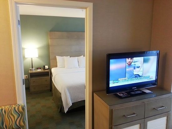Residence Inn Portsmouth Downtown/Waterfront: Many have divided walls between bedroom/seating area