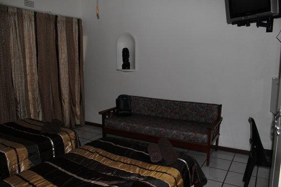 Fourie Street 199 Bed & Breakfast : Double En-suite 1 with bunkbed