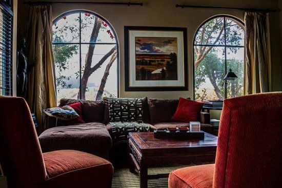 The Madrones : Living room