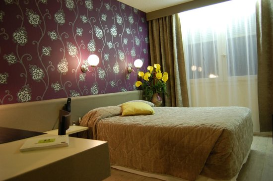 "Hotel du Midi: Chambre PRIVILEGE 18M2 ""Touche Arabesque"""