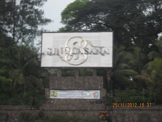 Singgasana Hotel Surabaya: From the main street