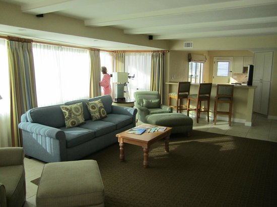 La Jolla Beach and Tennis Club: Living room