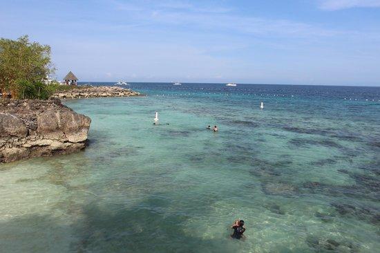 Shangri-La's Mactan Resort & Spa: пляж \ море