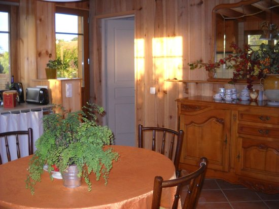 Au Jardin : Salle à manger/cuisine