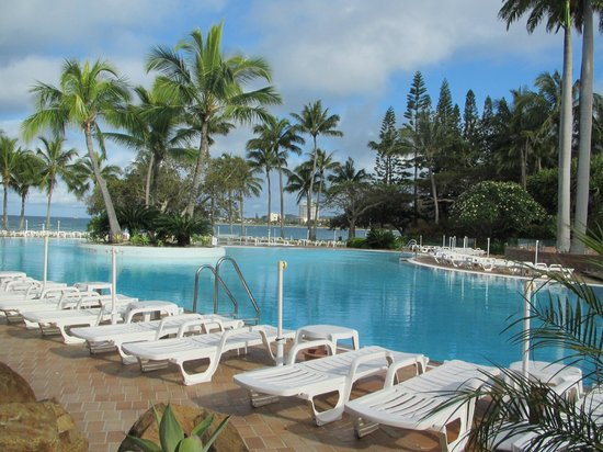 Le Meridien Noumea: the pool was very clean and was like swimming in rain water