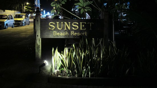 Sunset Beach Resort: Hotel Sign