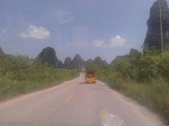 Guilin Yaoshan Mountain Scenic Resort: viaggio in macchineta