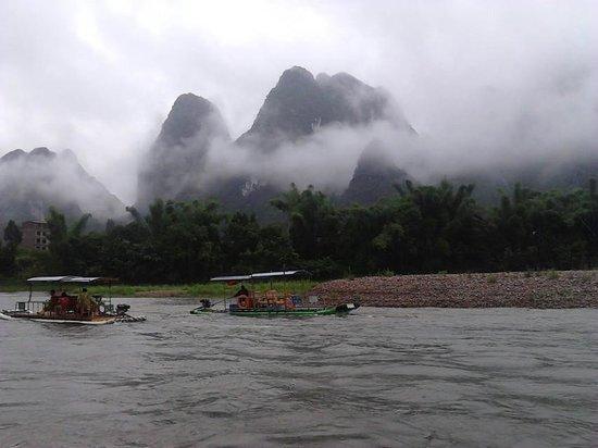 Guilin Yaoshan Mountain Scenic Resort: fiume Li
