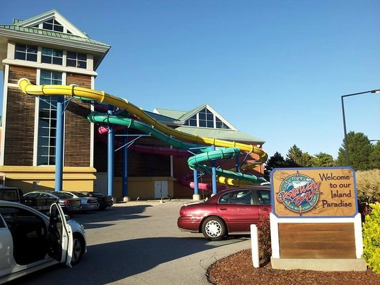 Cedar Point's Castaway Bay: Water Slides from the outside