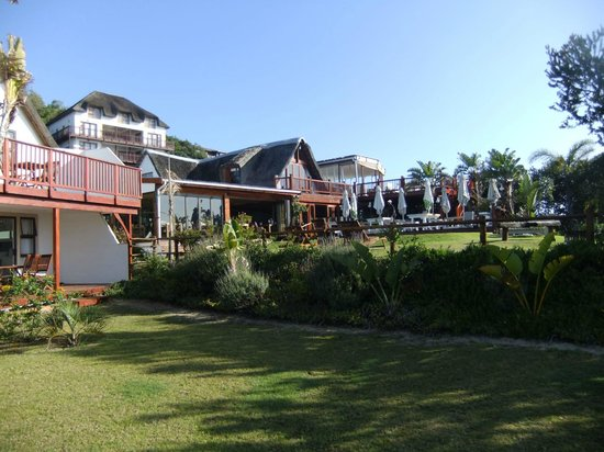 Crawford's Beach Lodge: View of main restaurant and swimming pool area from the honeymoon suites
